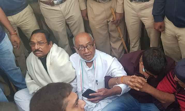 CM कमलनाथ जाएंगे बेंगलुरु, दिग्विजय से नहीं मिले बागी विधायक