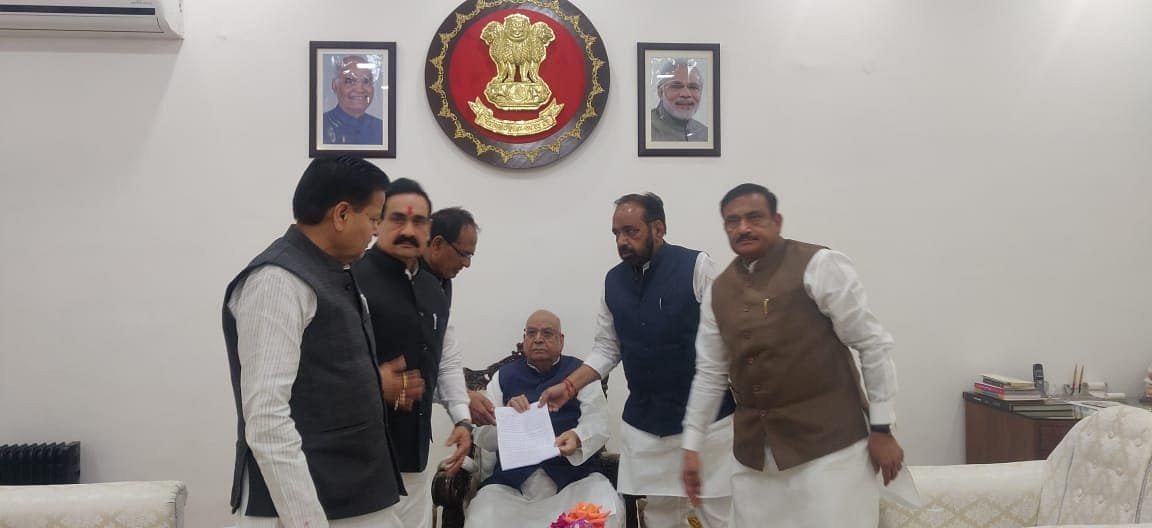 भाजपा की राज्यपाल लालजी टंडन से फ्लोर टेस्ट की मांग