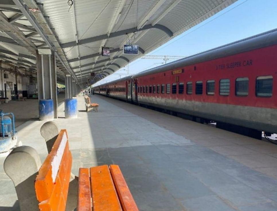 भोपाल रेलवे स्टेशन पर जनता कर्फ्यू का असर