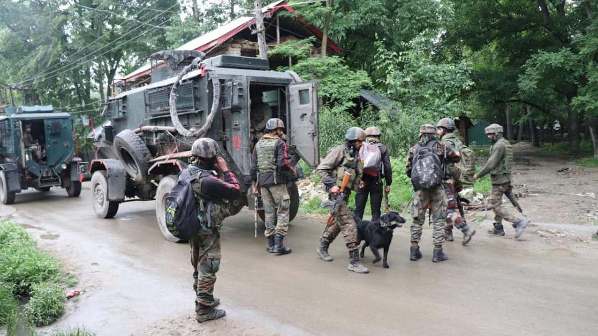 LOC के लोग गोलाबारी से परेशान, आतंकी-सुरक्षाबलों में मुठभेड़
