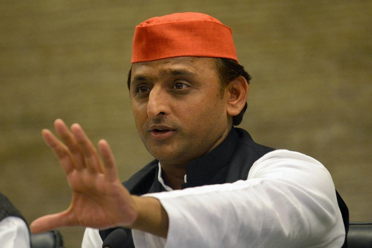 UP के जौनपुर हत्याकांड पर बोले अखिलेश- कहाँ हैं प्रदेश के सबसे बड़े कप्तान