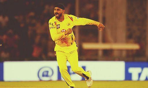 खाली स्टेडियम में सही, आईपीएल जरूर होना चाहिए: हरभजन सिंह