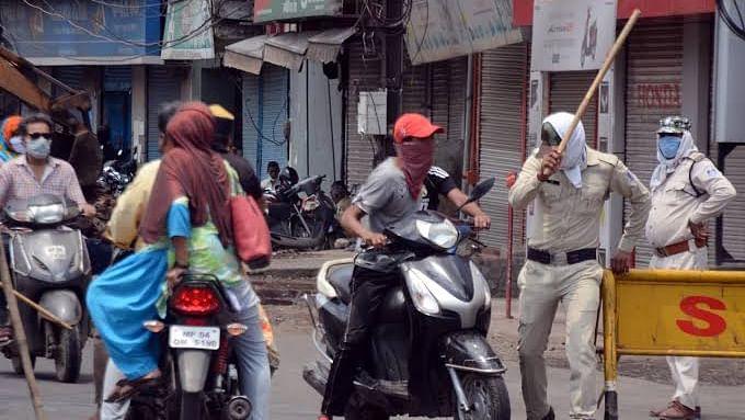 लॉकडाउन पाबंदी पर पुलिस की अनोखी पहल