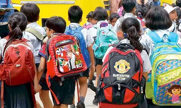 निजी विद्यालयों को लॉकडाउन में फीस में राहत देने के निर्देश