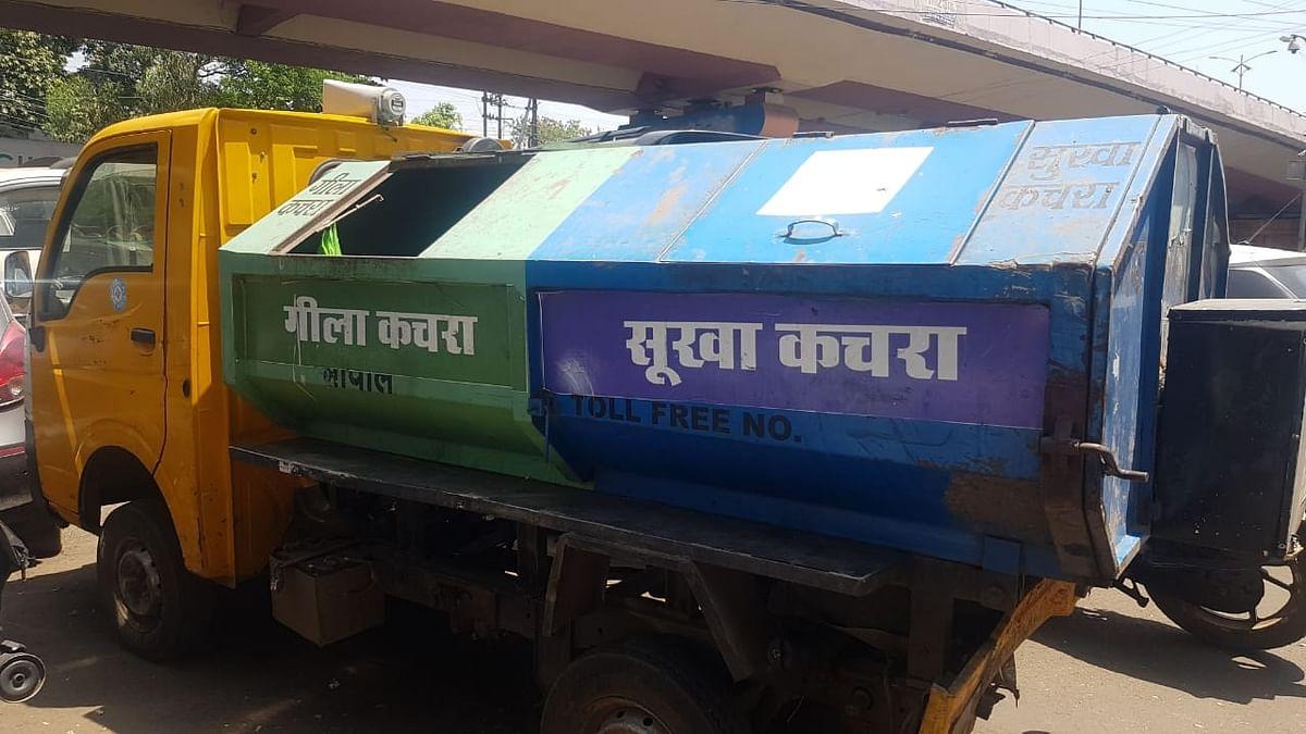 कचरा वाहन की आड़ में शराब तस्करों के हौसले बुलंद
