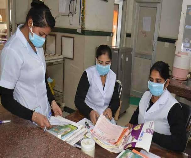 कोरोना वायरस : अब नर्सेस की सुरक्षा करेगी सरकार