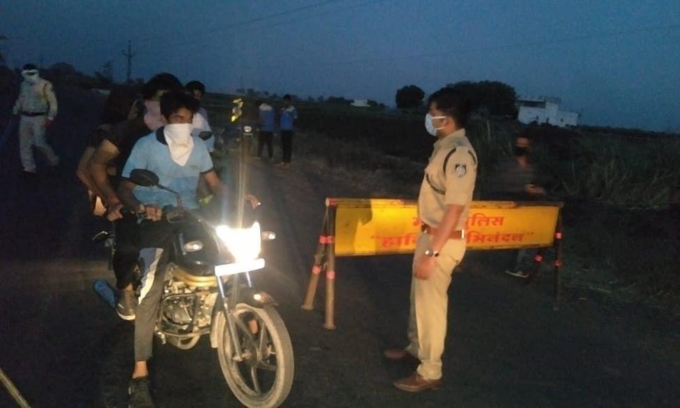 कर्फ्यू के बाद प्रशासन और पुलिस उतरी सड़कों पर
