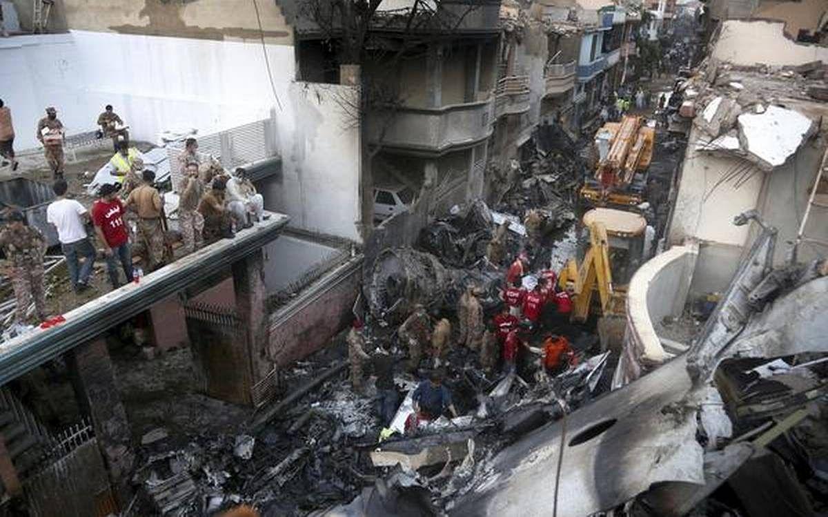 पाकिस्तान विमान दुर्घटना में 97 लोगों की मौत