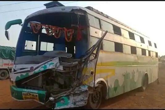 सरकार की शर्तों पर बस चलने से गुस्साए ऑपरेटरों ने बसों पर किए हमले