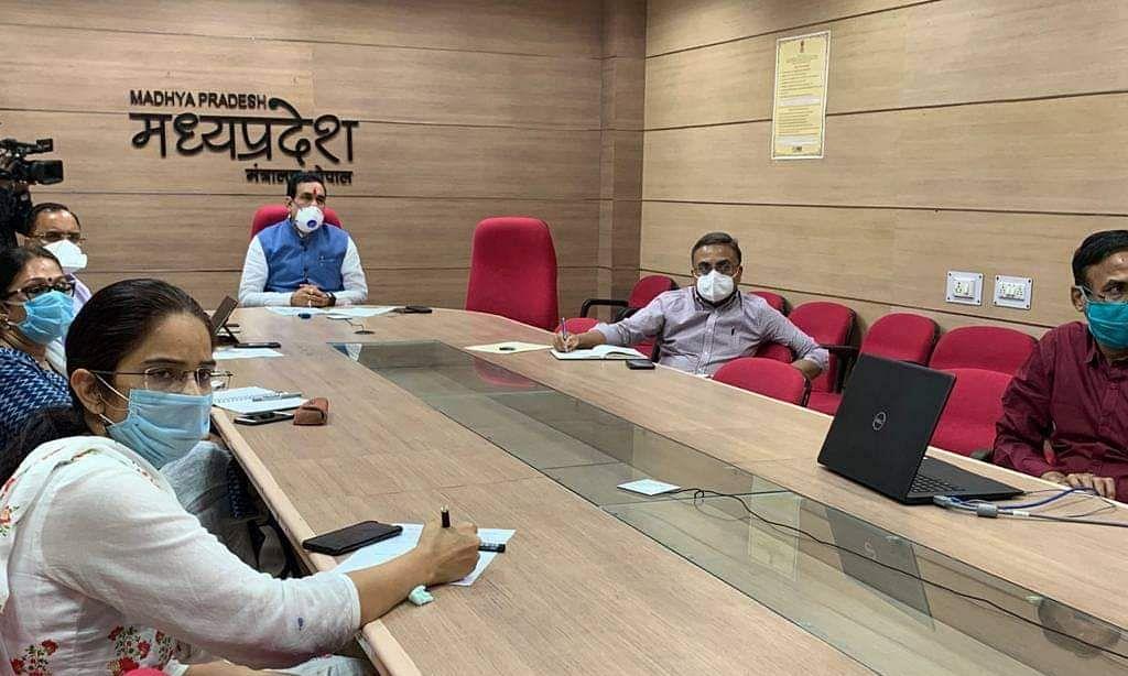 लॉकडाउन का सख्ती से पालन करायें: मंत्री डॉ. नरोत्तम मिश्रा
