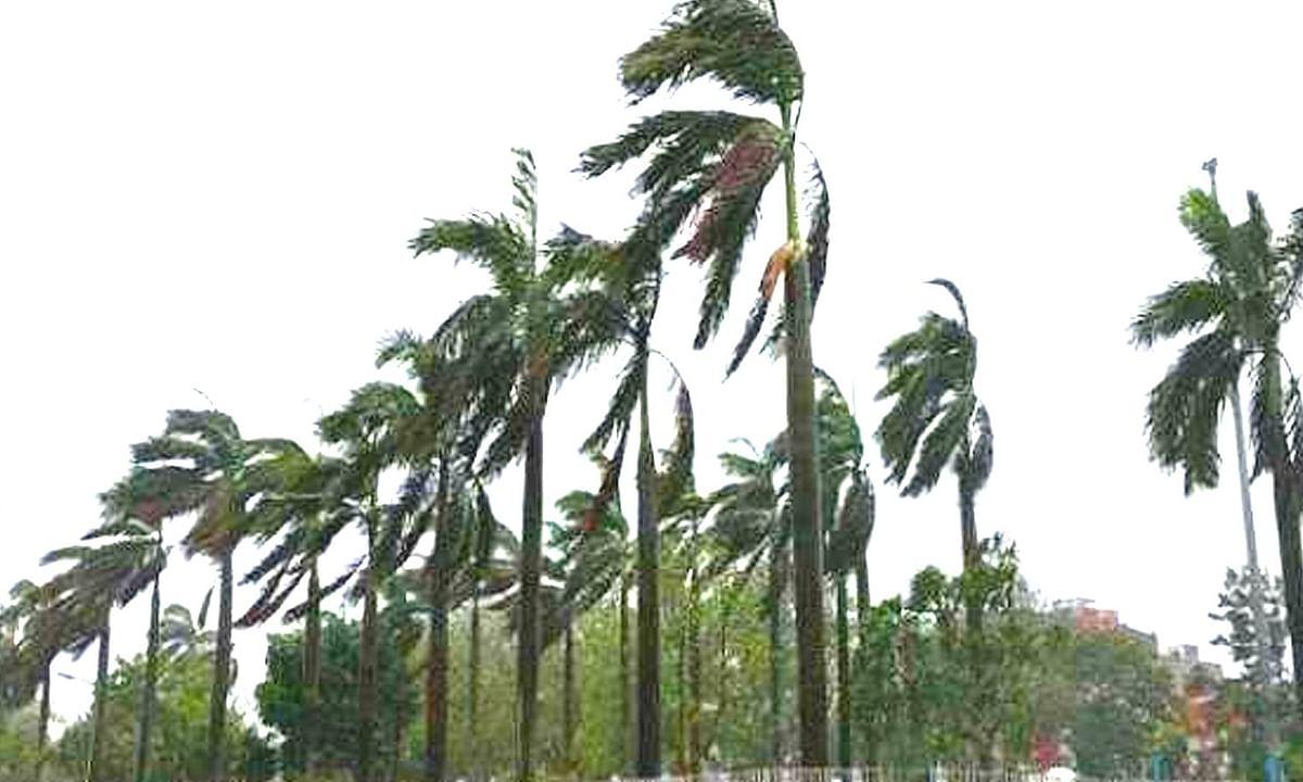 तटवर्ती स्थानीय रहवासियों के लिए चक्रवाती तूफान की चेतावनी जारी