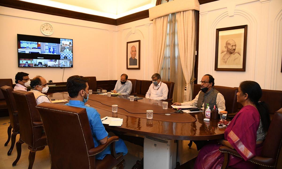 वित्त मंत्री सीतारमण ने की सरकारी बैंकों के CEO के साथ बैठक