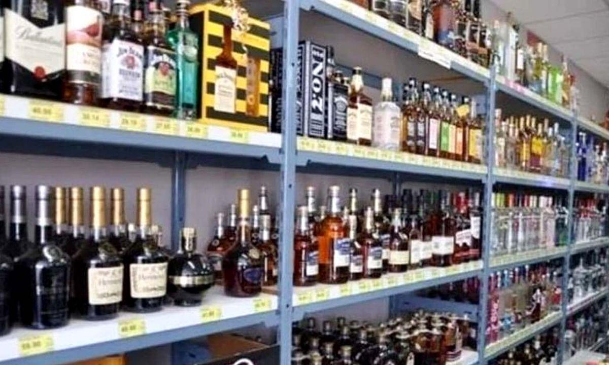 राजस्व की खातिर UP सरकार का फैसला- अब मॉल्स में होगी शराब की बिक्री