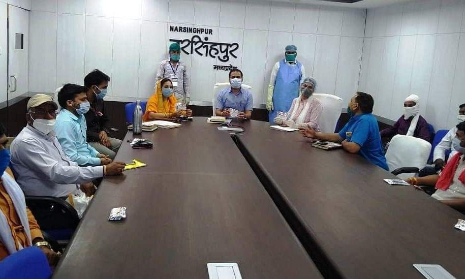 नरसिंहपुर में जारी है प्रतिरोधक क्षमता बढ़ाने वाली दवाईयों का वितरण