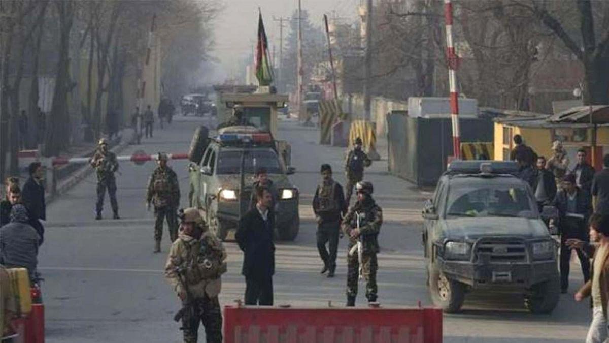 अफगानिस्तान में तालिबान आतंकवादियों का सैन्य शिविर पर हमला