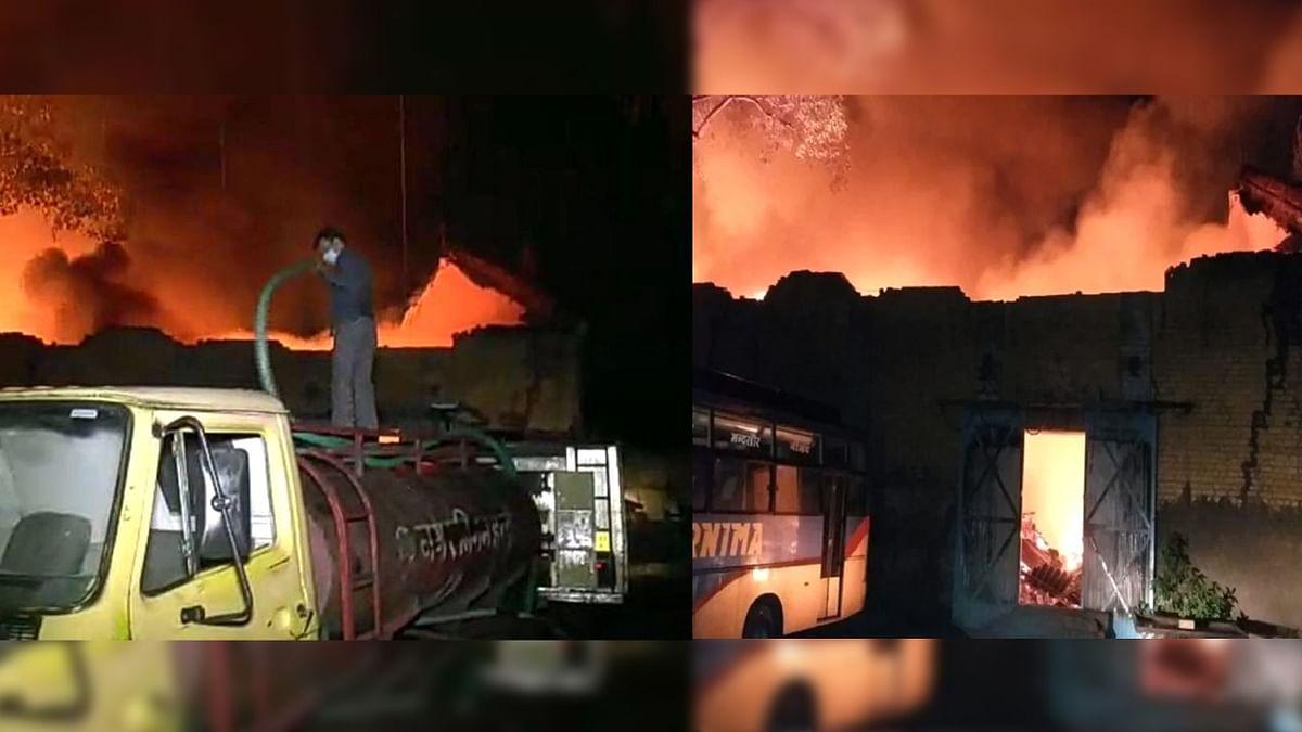 इंदौर: आगजनी ने मचाया तहलका, रुई के गोदाम में लगी भयंकर आग