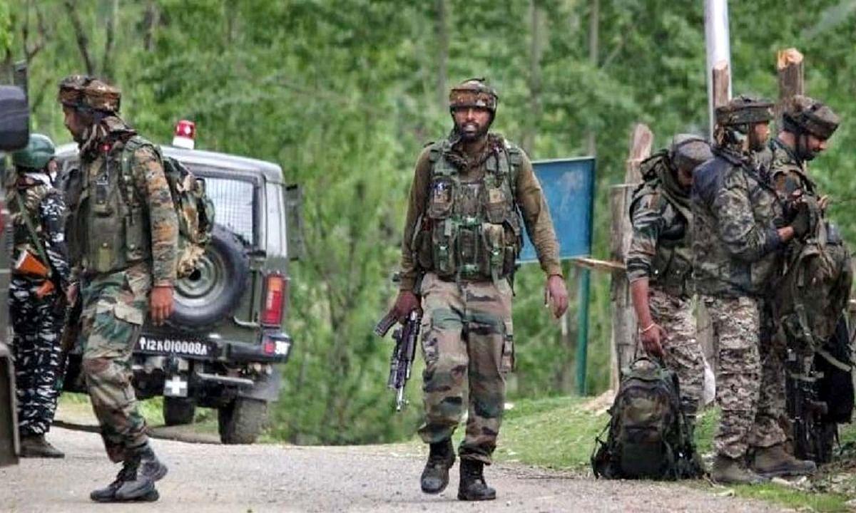 जम्मू कश्मीर: आज फिर मुठभेड़, गोलियों की तड़-तड़ाहट से गूंजा हेधामा