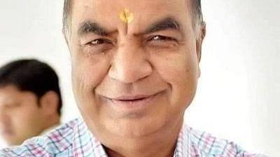 संकट की घड़ी में कमलनाथ ने गोविन्द गोयल को हटाया