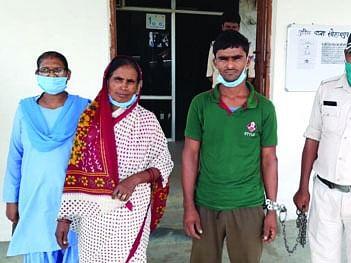 शहडोल: माँ-बेटा निकले गांजा तस्कर, 21 किलो गांजा पुलिस ने किया बरामद