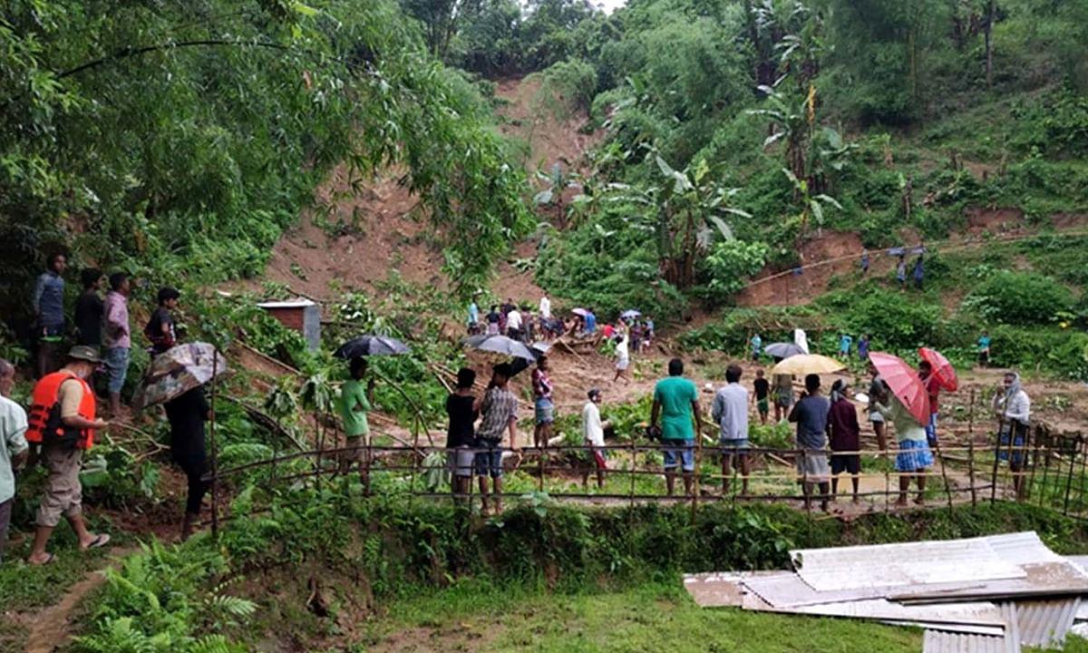 असम में भारी बारिश से भूस्खलन ने मचाई तबाही