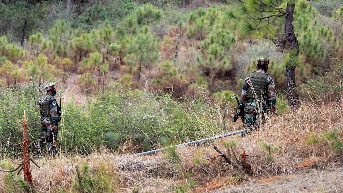 जम्मू कश्मीर: हरकतों से बाज नहीं आ रहा पाकिस्तान-फिर की LOC पर फायरिंग