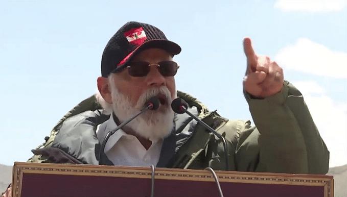 लद्दाख: PM मोदी ने लेह दौरे पर जवानों को दिया ये खास संदेश