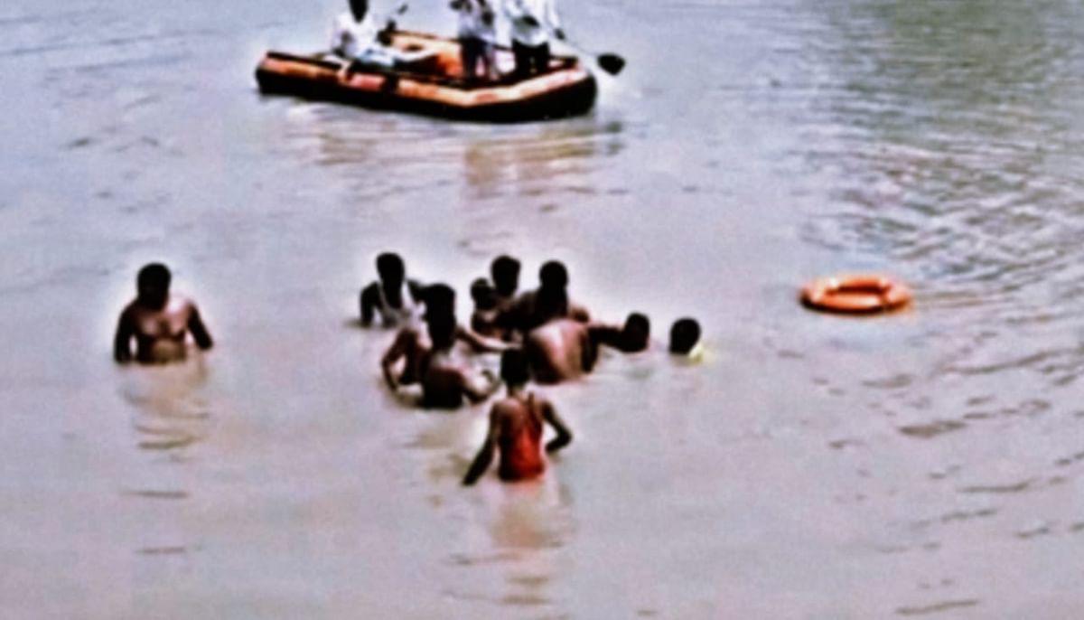 तालाब में नहाने गए 3 बालकों की डूबने से मौत, रेस्क्यू कर बाहर निकाला