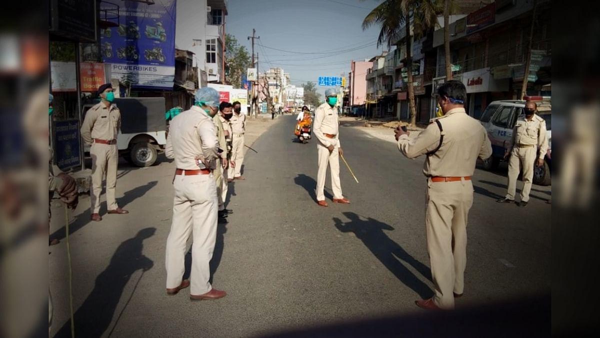 भोपाल में लॉकडाउन का पालन कराने 2500 पुलिस जवान सड़कों पर