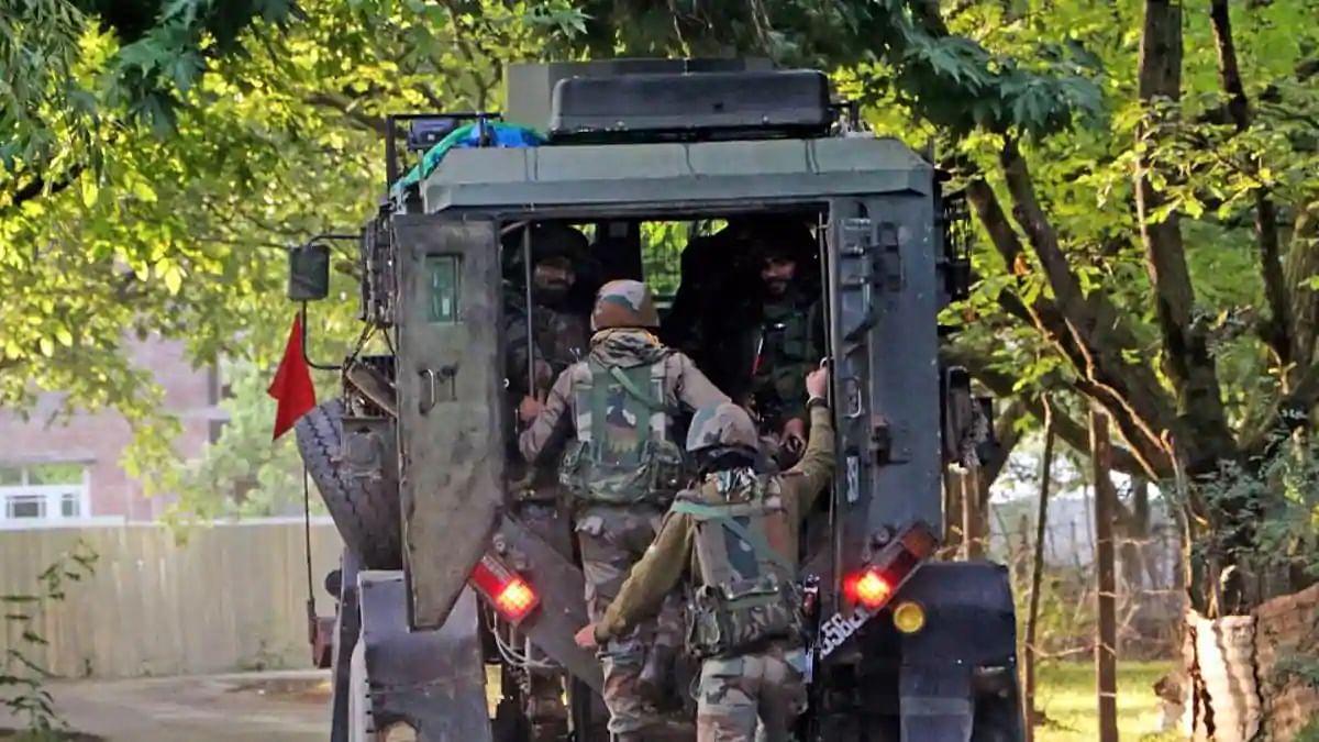जम्मू कश्मीर: बारामूला में CRPF जवानों पर आतंकी हमला