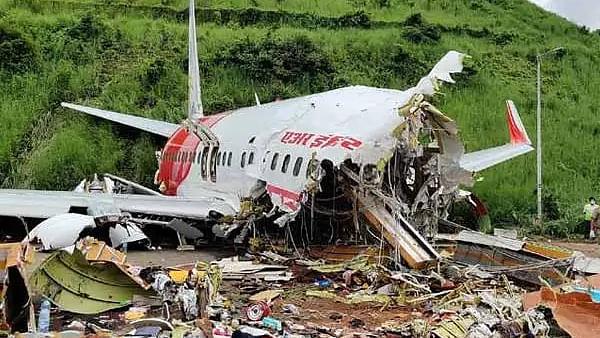 सरकार देगी केरल विमान हादसे में घायल-मृतकों के परिजन को मुआवजा
