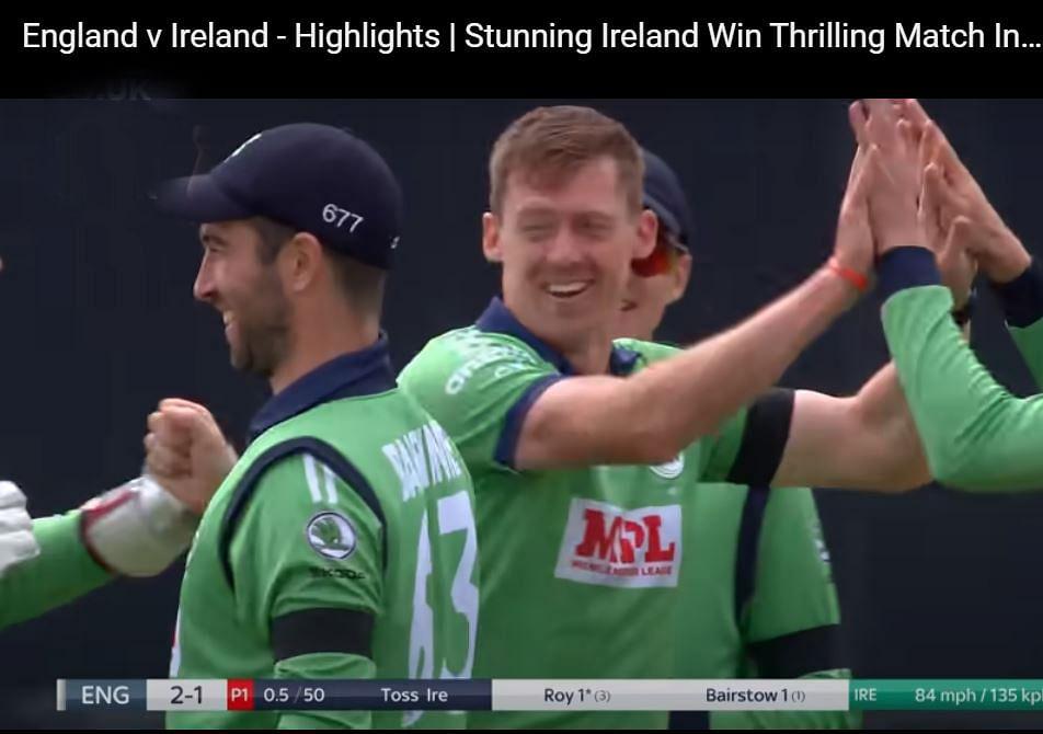 आयरलैंड के खिलाड़ियों ने भी तोड़े नियम।