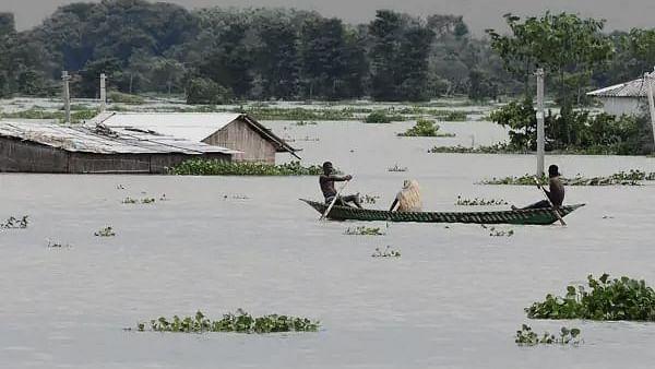 असम में नहीं थम रहे बाढ़ से बने हालत, अब तक 110 की मौत