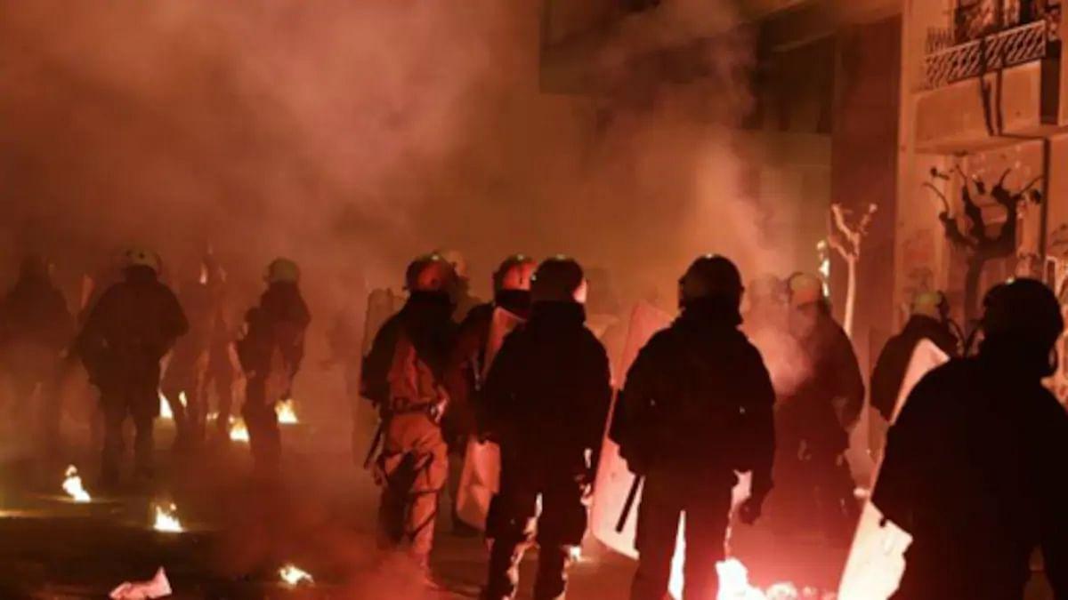 #BangaloreViolence: बेंगलुरु में सोशल मीडिया पोस्ट को लेकर भड़की हिंसा