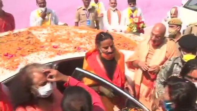 रामनगरी अयोध्या पहुंचे बाबा रामदेव-राममंदिर भूमि पूजन में होंगे शामिल