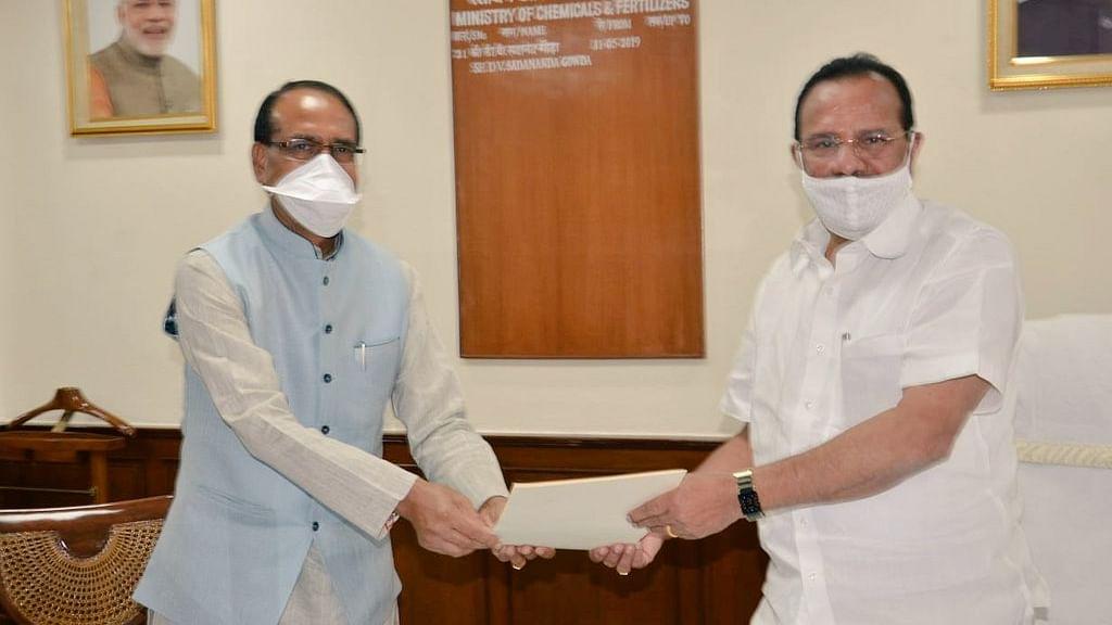 CM शिवराज ने केंद्रीय मंत्री सदानंद गौड़ा से की मुलाकात, की ये बड़ी मांग