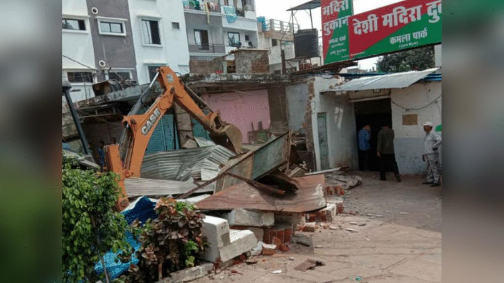 भोपाल: नगर निगम और पुलिस की खुली पोल, अतिक्रमण की आड़ में तोड़ी दुकानें