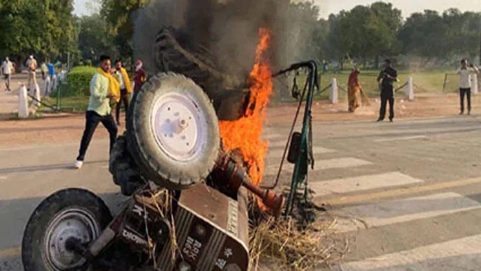 दिल्ली: इंडिया गेट पर ट्रैक्टर जलाने वाले 5 प्रदर्शनकारी गिरफ्तार