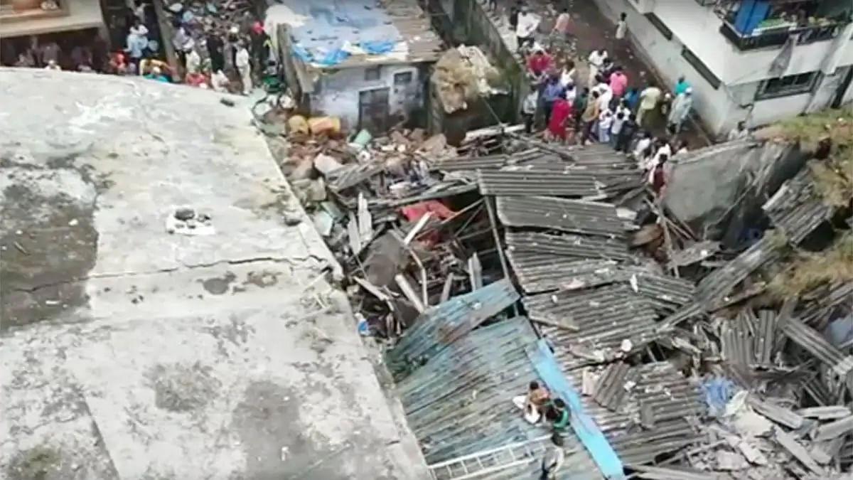 मुंबई के भिवंडी में अहले सुबह दर्दनाक हादसा- 3 मंजिला इमारत ढही