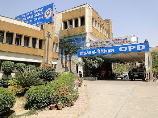 इंदौर : चाचा नेहरू अस्पताल की ओपीडी से नदारद सीनियर कंसल्टेंट