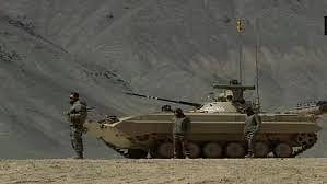 लद्दाख बॉर्डर पर भारतीय सेना की तैयारियां मजबूत, T-90 व T-72 टैंक तैनात