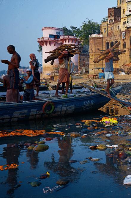 """हरिद्वार से उत्तर प्रदेश के बीच """"गंगा नदी"""" का जल पीने और नहाने योग्य नहीं"""