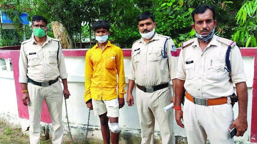 सोहागपुर : हंसिये से गला काटकर की थी चंदन की हत्या