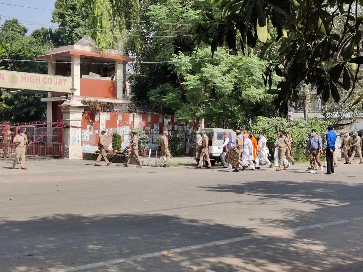 #BabriDemolitionCase: ढांचा विध्वंस पर फैसला आने से पहले यूपी में हाई अलर्ट