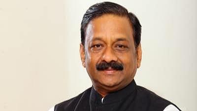 चिरायु भोपाल जैसा नि:शुल्क इलाज जबलपुर में क्यों नहीं : विधायक विनय सक्सेना