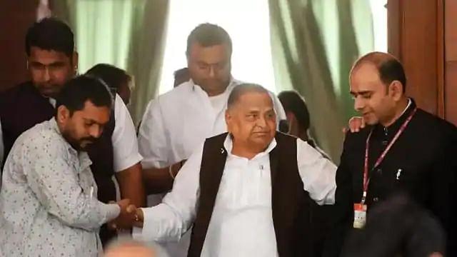 कोरोना ने उत्तर प्रदेश के पूर्व मुख्यमंत्री मुलायम सिंह यादव को घेरा