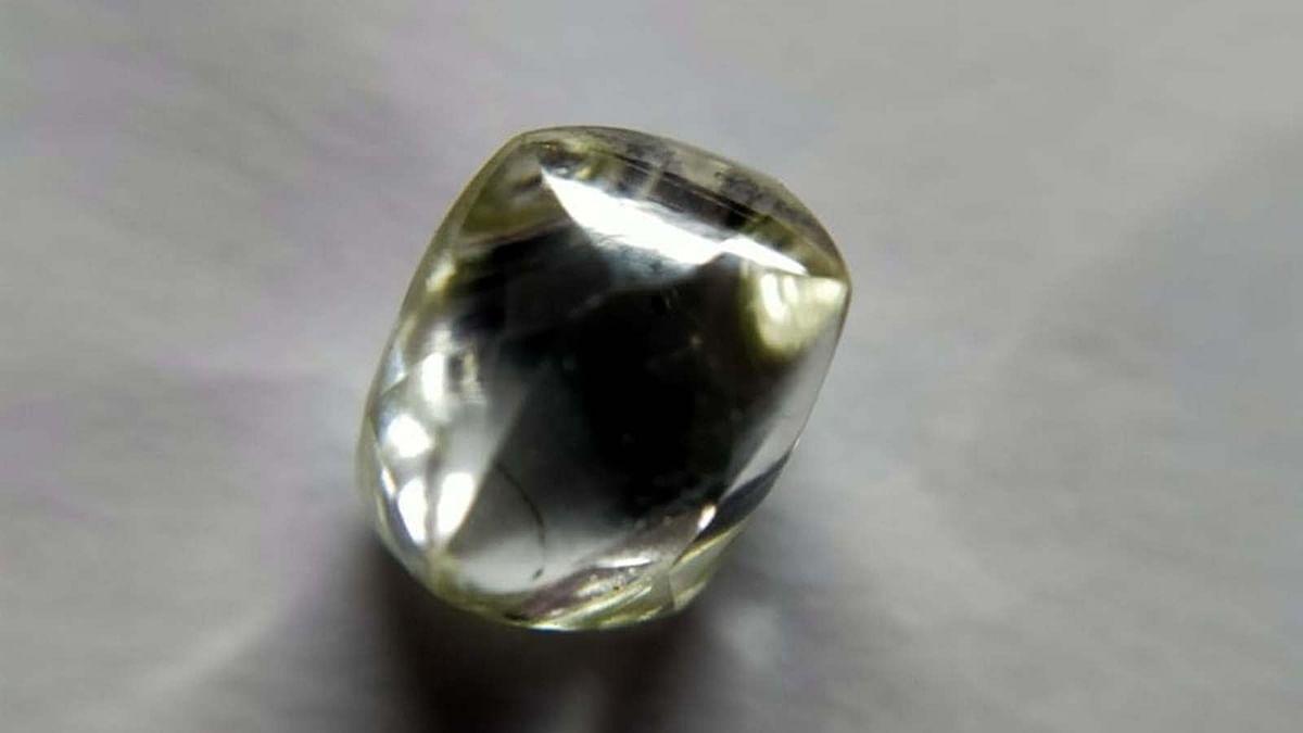 पन्ना की रत्नगर्भा धरती उगल रही है हीरे, फिर एक मजदूर को मिला नायाब हीरा