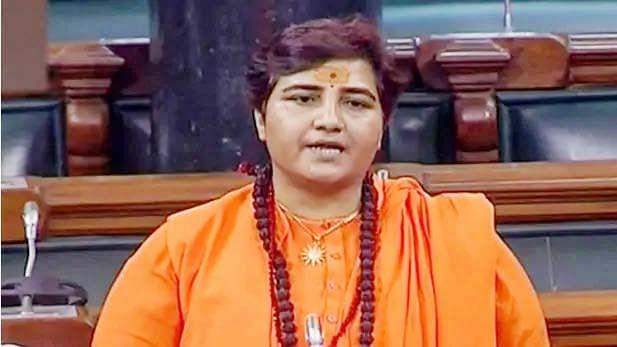 साध्वी प्रज्ञा ने दिया विवादित बयान, ट्वीट कर कहा- बंगाल में ताड़का की सरकार