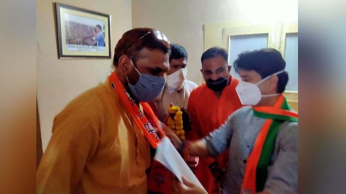 कांग्रेस में टूट का दौर लगातार जारी, अब MP प्रवक्ता संजय ने थामा BJP का हाथ