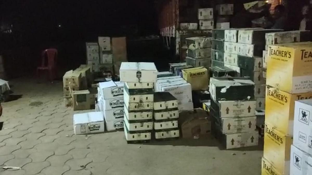 रायसेन SDOP की बड़ी कार्रवाई- 485 पेटी अवैध शराब के साथ 2 को किया गिरफ्तार