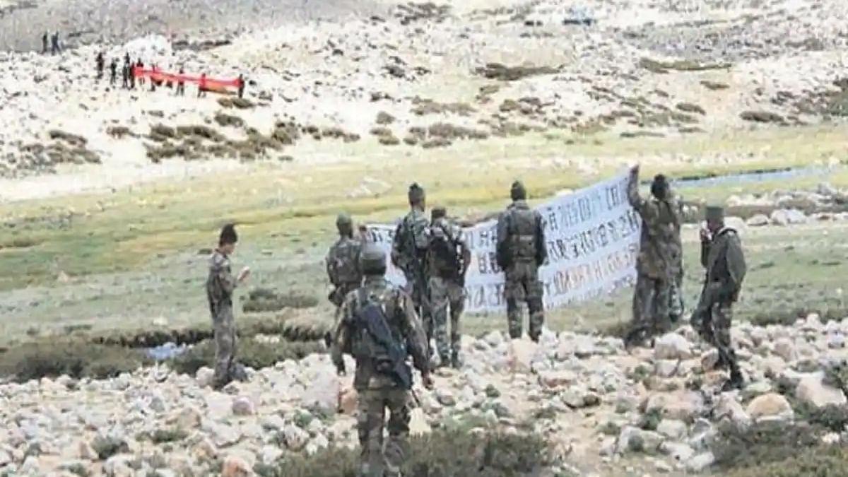 लद्दाख के चुमार-डेमचोक इलाके में भारतीय सेना ने चीनी सैनिक को पकड़ा